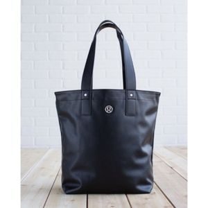 LULULEMON | Mantra Reversible Waterproof Tote Bag